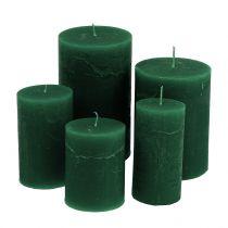 Yhtenäiset kynttilät, tummanvihreät, erikokoiset
