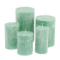 Yksiväriset kynttilät vaaleanvihreät, erikokoiset