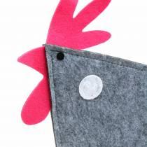 Koristeellinen kukko huovasta, pisteillä harmaa, valkoinen, vaaleanpunainen 57cm x 7cm H58.5cm näyteikkunakoriste