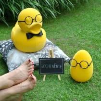 Pääsiäismuna keltainen lasien kanssa, Deco Egg Flocked, pääsiäiskoriste, pääsiäiskoristelu