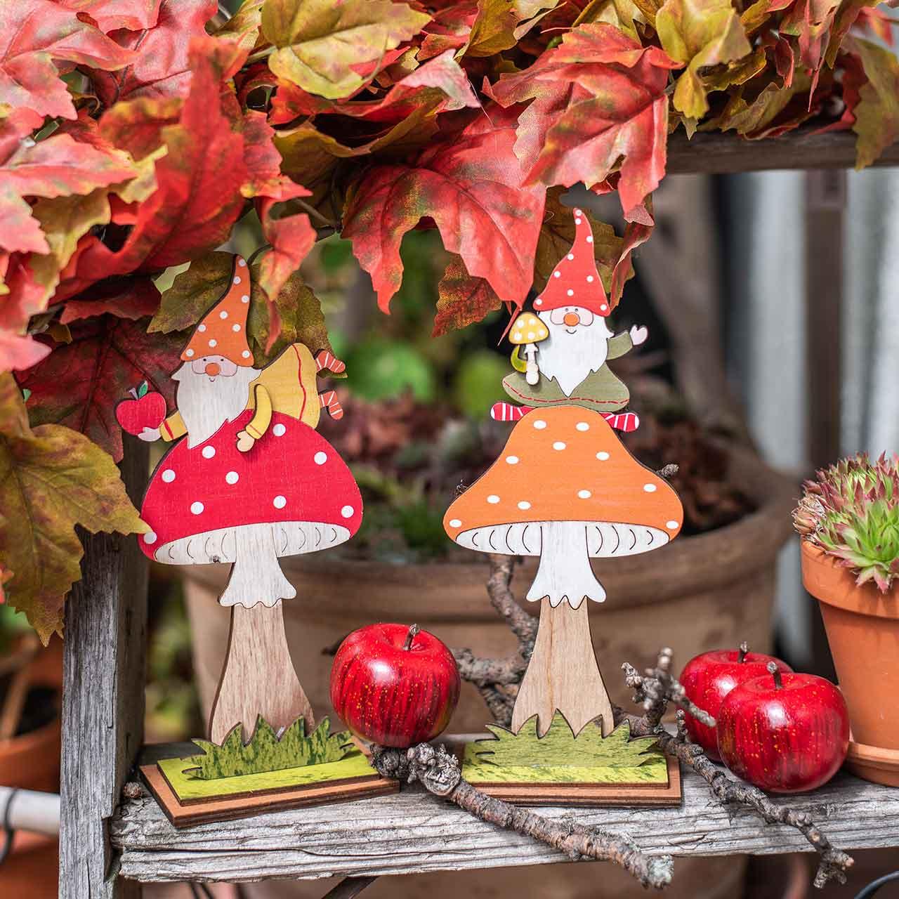 Rupikonna syksyyn, puinen koriste, tonttu sienellä oranssi/punainen H21/19,5cm 4kpl 4kpl